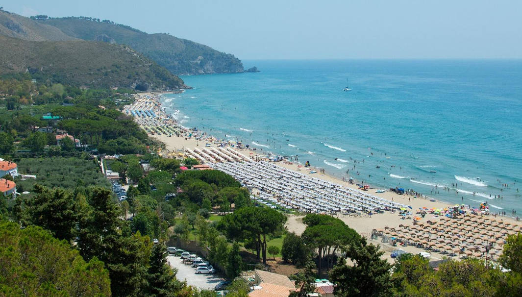 The-Best-Beach-Near-Rome-Sperlonga_south-beach